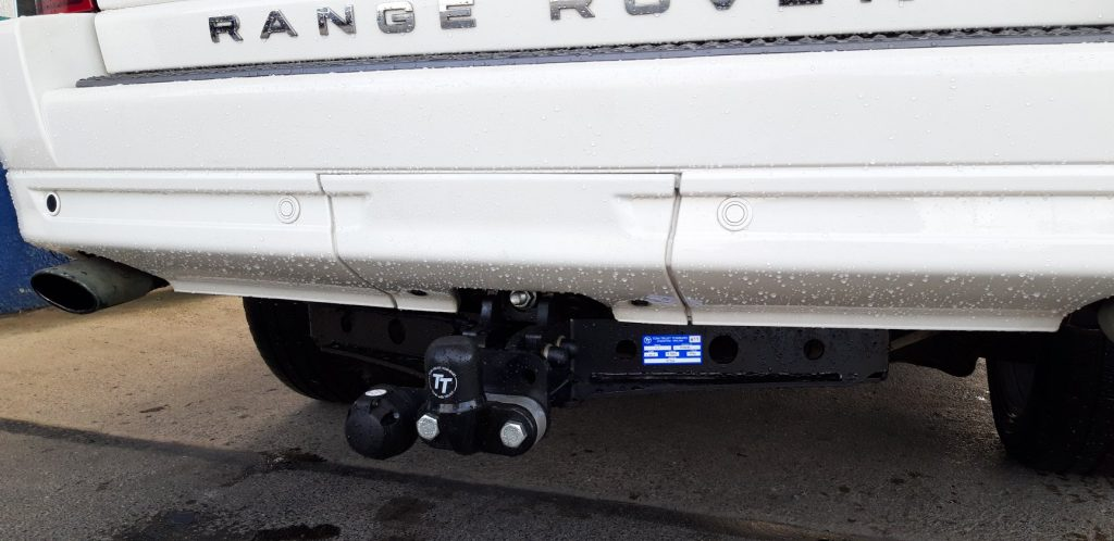 tow bar fitting range rover